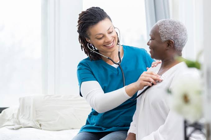 Benefits Offered by Home Health Services for Seniors