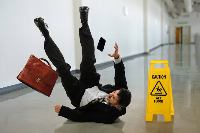 5 Reasons to Work With Slip and Fall Lawyers After an Accident Which Wasn't Your Fault