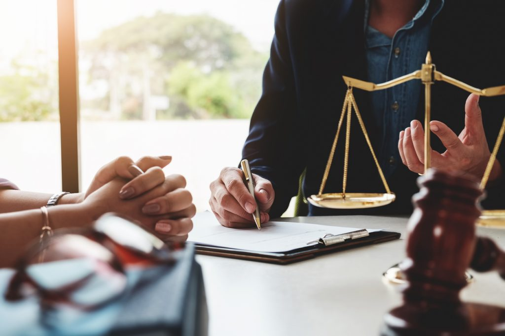 5 BEST RESOURCES FOR SAVING MONEY AS A SOLO ATTORNEY
